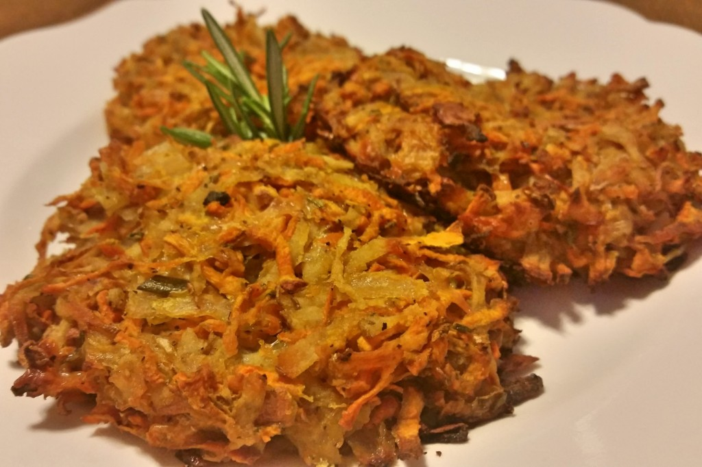 close up baked latkes